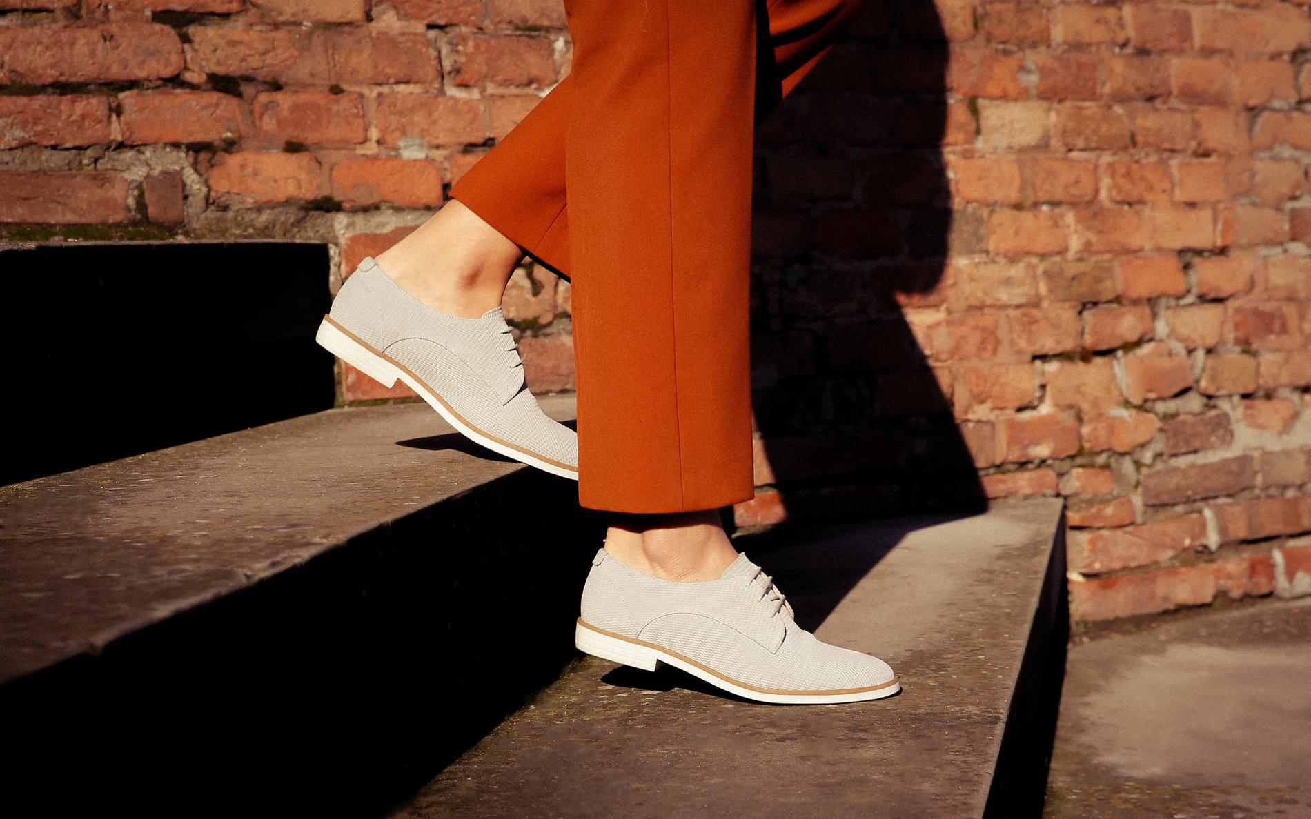 Chaussures à lacets femme sur barandibay.com