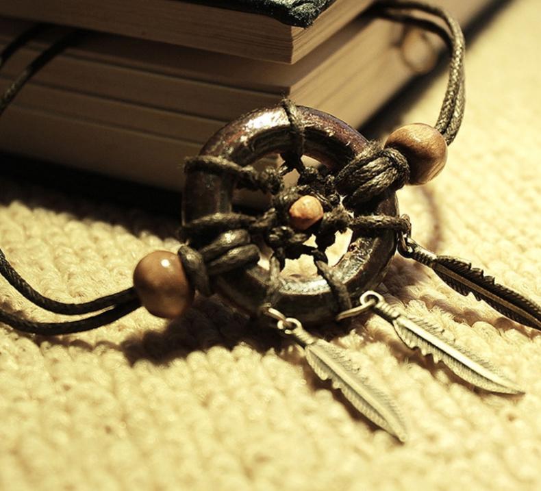 bracelet en bois capteur de rêves