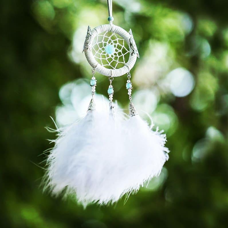 Joli Attrape Rêve Blanc avec des Ailes d\'anges
