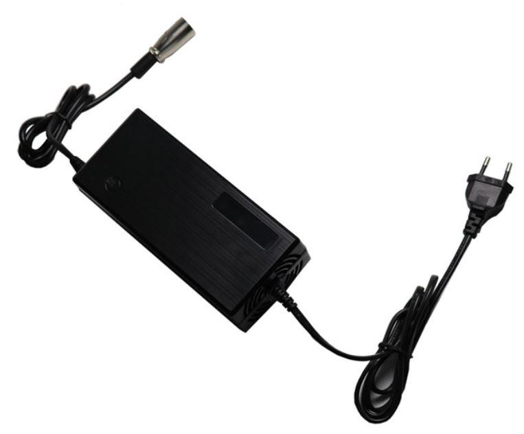 Chargeur de batterie pour Azur Scooter type Harley C5