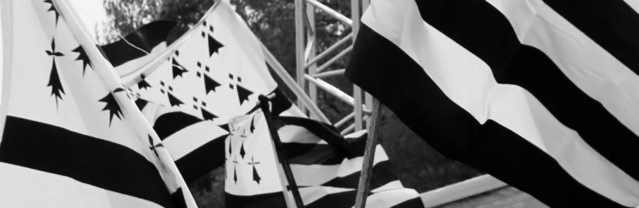 Tous les drapeaux bretons