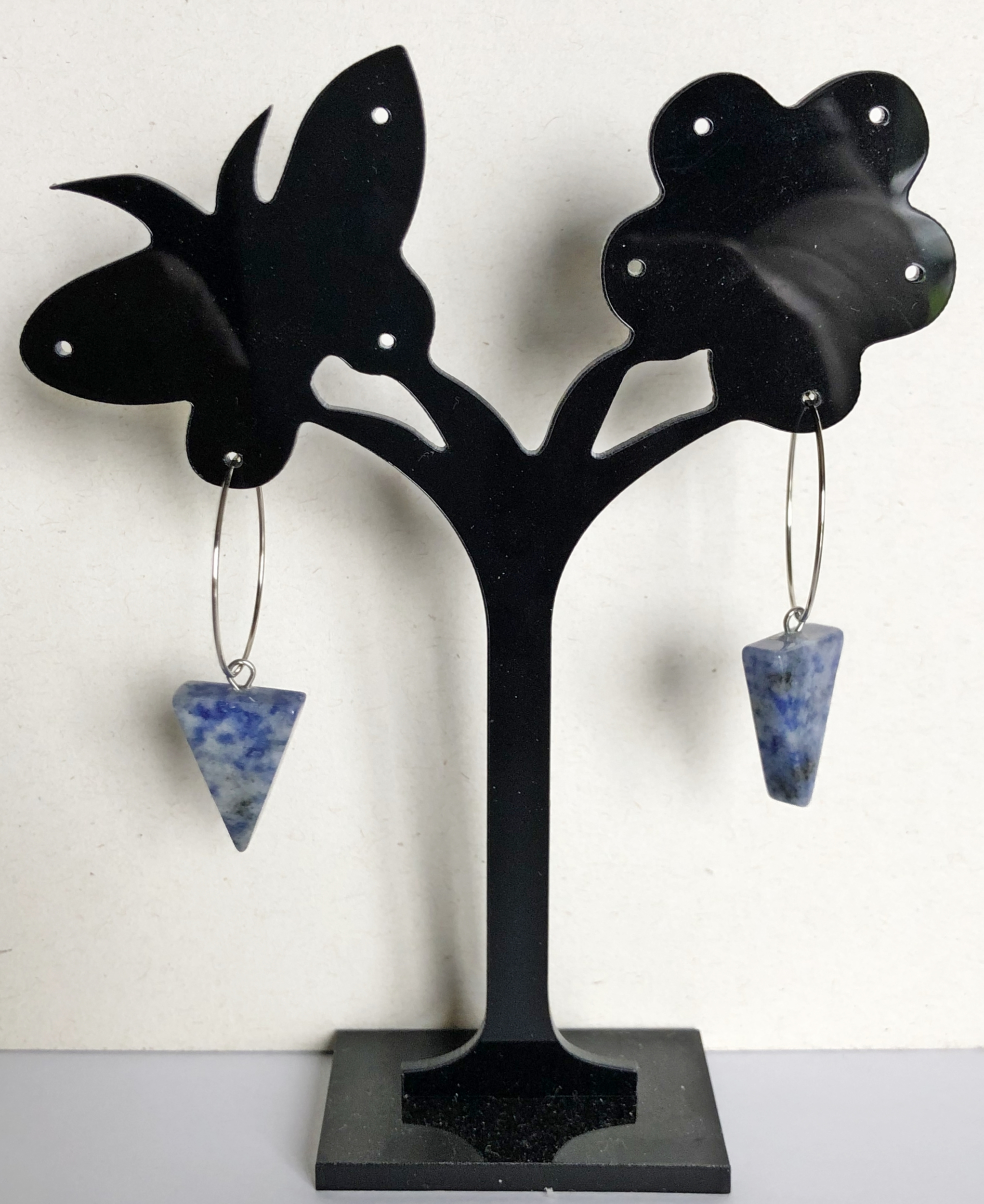 Boucles d\'oreilles sodalite forme triangle créoles - Angel shop