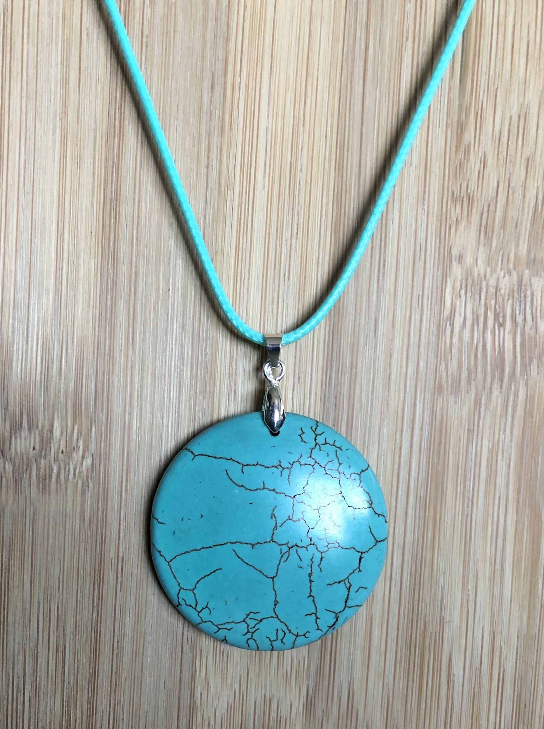Collier turquoise howlite forme ronde  - Angel shop