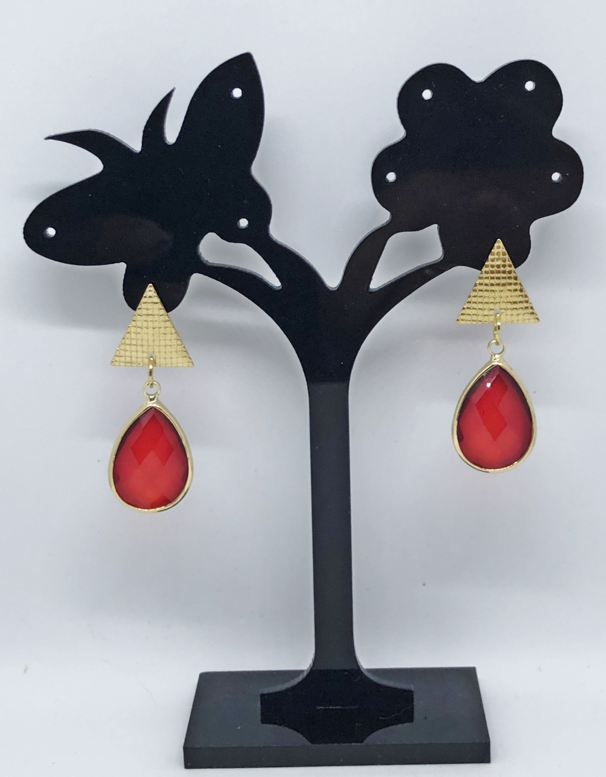 Boucles d\'oreilles cristal rouge et base triangle puces - Angel shop