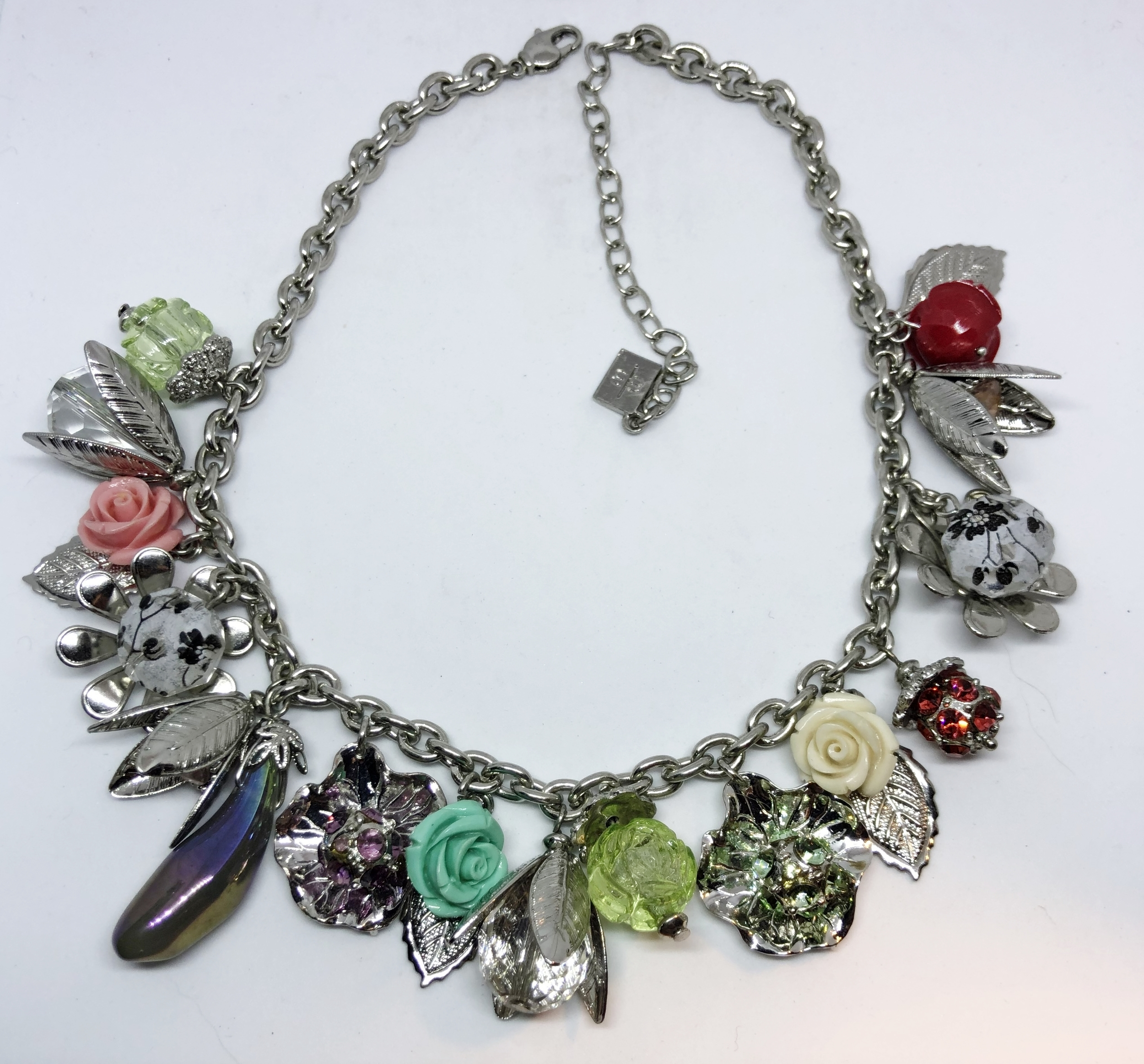 Collier Claudy 1000 breloques multicouleurs - Angel shop