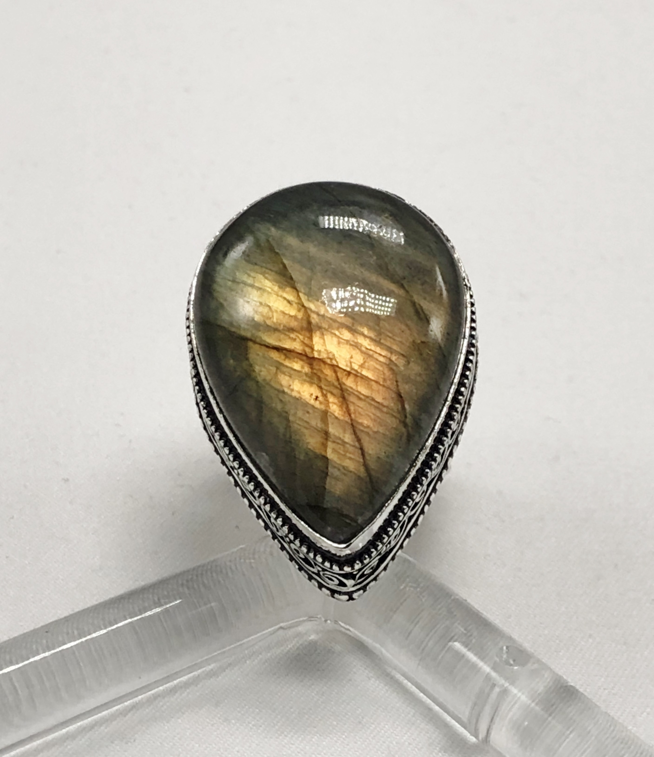 Bague labradorite jaune forme goutte montage antique argent 925 - Angel shop