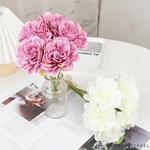 Déco Table Ronde pour Mariage | Fleurs Artificielles | Renoncules Artificielles | Bouqueternel