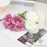 Déco Tables Ronde pour Mariage | Fleurs Artificielles | Renoncules Artificielles | Bouqueternel