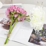 Déco Tables Rondes pour Mariage | Fleurs Artificielles | Renoncules Artificielles | Bouqueternel