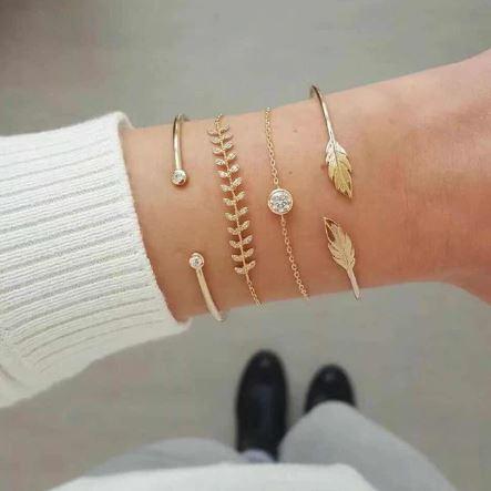 Ensemble de bracelets dorés - Feuilles