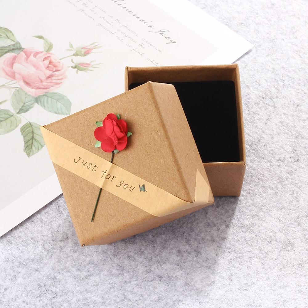 Boite présentation avec fleur en papier