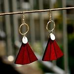 boucles doreilles pendantes en bois style éventail rouge