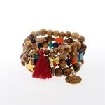 ensemble de bracelets perles de bois avec breloques multicolore