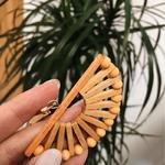 grandes boucles doreilles pendantes en bois bambou éventail demi cercle tendance été