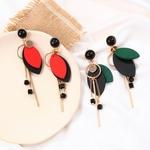 boucles doreilles en bois pendantes feuilles et fil métal