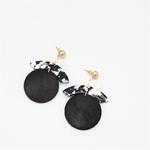 Boucles doreilles pendantes noires en bois