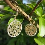 Boucles doreilles pendantes or feuilles nature