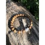 Bracelet avec perles en bois et éléphant argenté