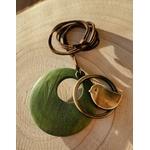 Collier en bois pendentif oiseau vert