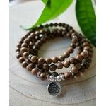 long bracelet perles en bois plusieurs tours