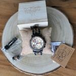 Montre en bois pour homme bois clair cadran chronographe