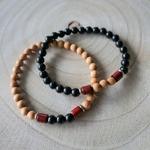 Bracelet perles en bois pour homme bicolore constrasté