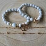 Bracelet avec perles blanche bleu