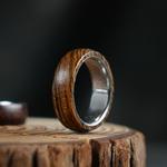Bague en bois de santal
