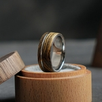 Bague de mariage en bois