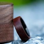 Bague en bois et titane résistante