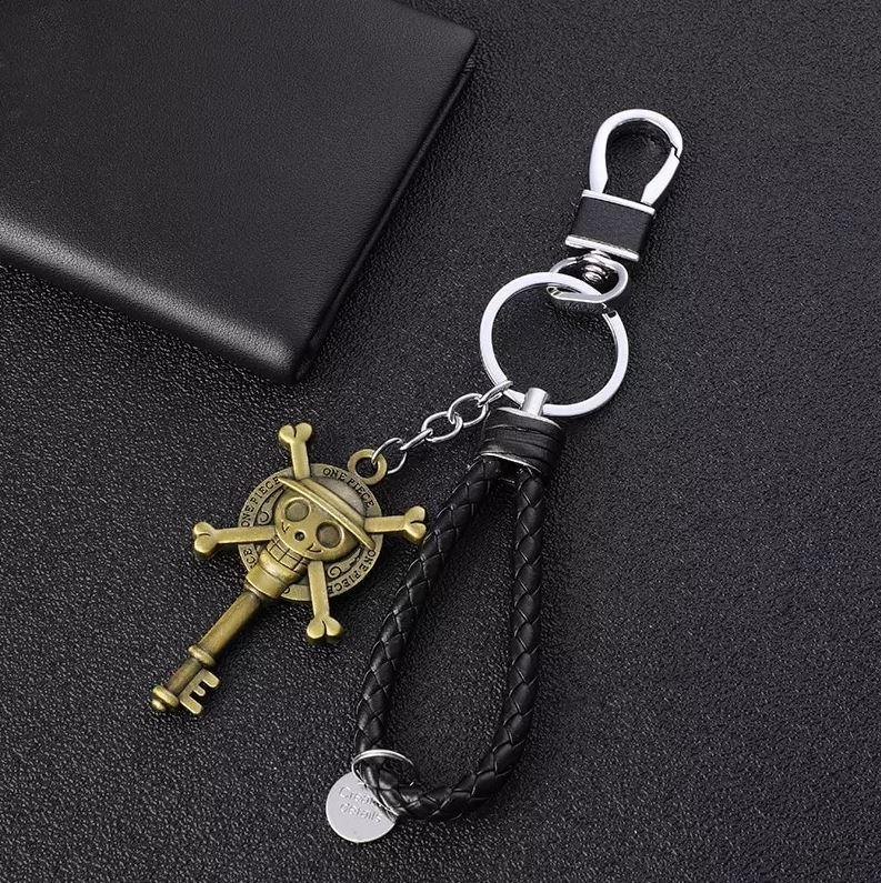 porte cles one piece cuir key logo