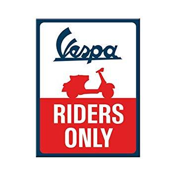 Magnet Vespa riders 8x6
