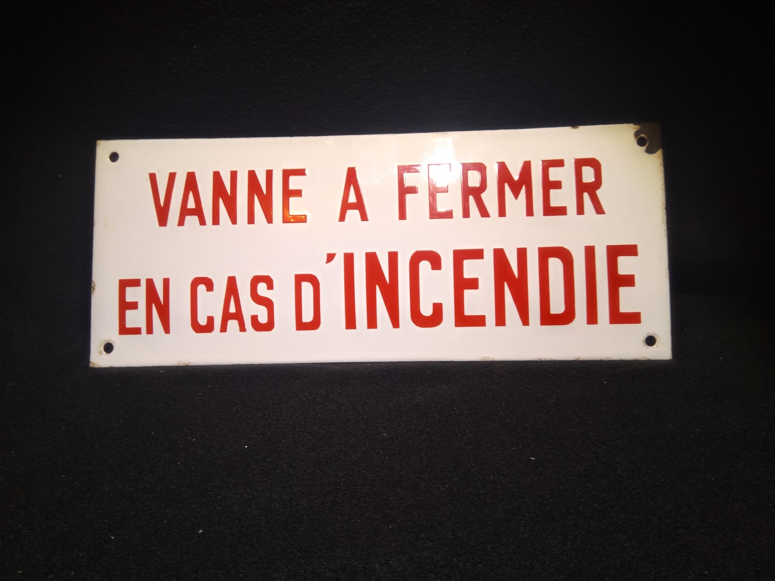 Ancienne plaque émaillée industrielle