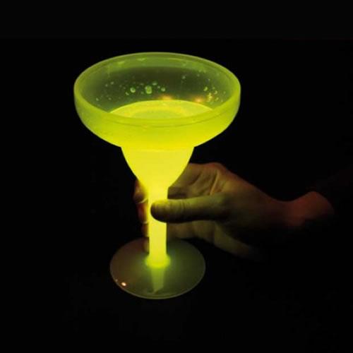 verre-cocktail-fluo jaune vendu sur www.deco-lumineuse.fr