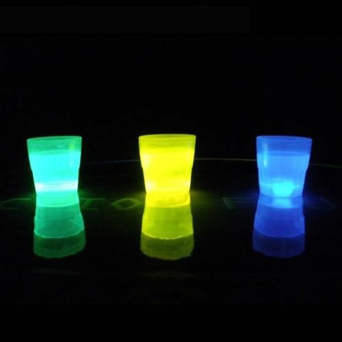 verre-shooter-fluo vendu sur www.deco-lumineuse.fr