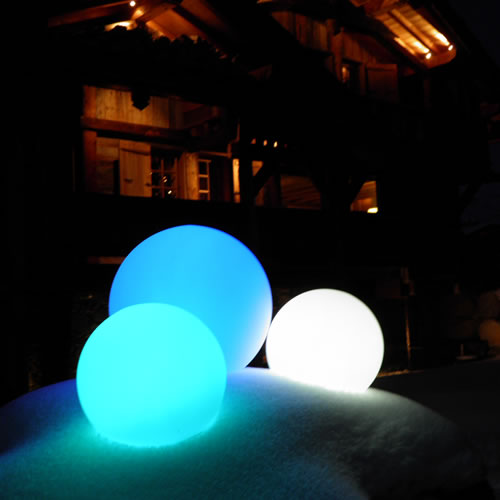 boule lumineuse led filaire patio 80 cm deco lumineuse. Black Bedroom Furniture Sets. Home Design Ideas