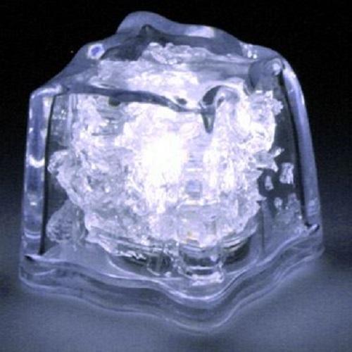 glacons-led-blanc-vendus-sur-www-deco-lumineuse-fr