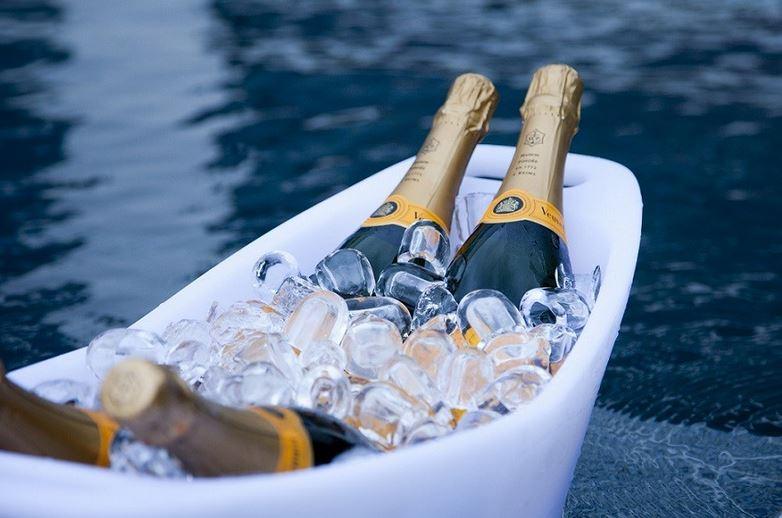 seau champagne lumineux led vasque 4 bouteilles deco lumineuse. Black Bedroom Furniture Sets. Home Design Ideas