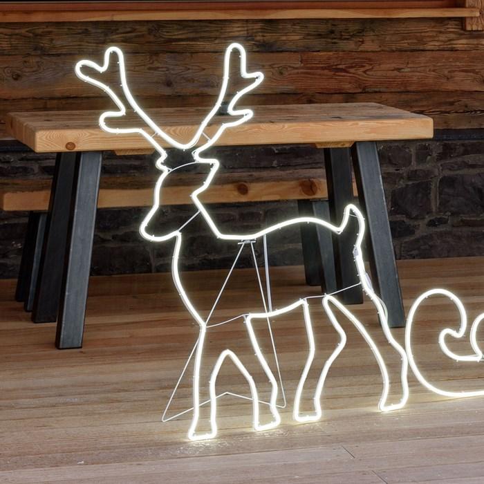 renne lumineux led exterieur noël effet neon 115 cm 840 leds vendu sur deco-lumineuse.fr