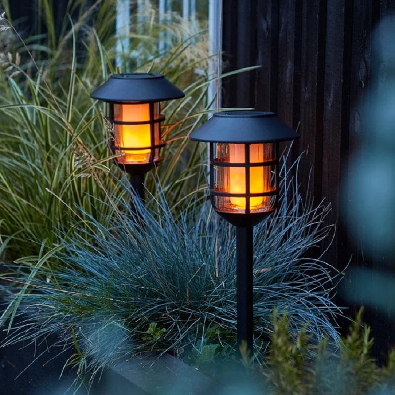 2 bornes led solaires metal noir deco jardin vendu sur deco-lumineuse.fr