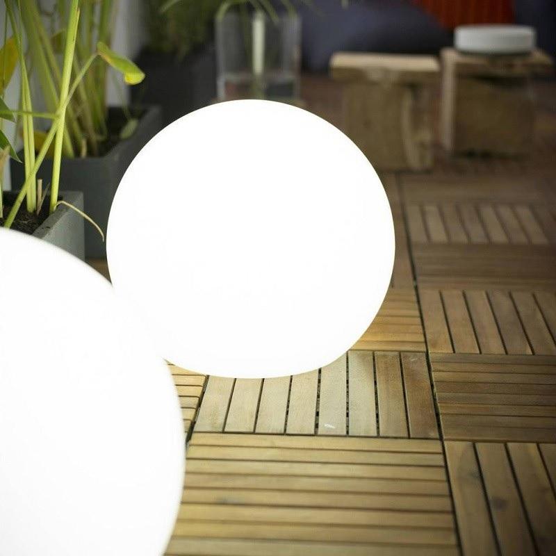 boule lumineuse led sans fil solaire desing extérieur bubbly 60 vendue sur deco-lumineuse.fr