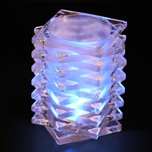 Vase en verre pour bougie led quinconce deco lumineuse for Led a pile pour deco