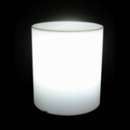 pouf lumineux led sans fil venice deco lumineuse. Black Bedroom Furniture Sets. Home Design Ideas