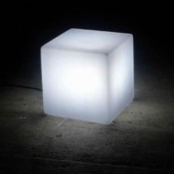 Mini cube lumineux led pile blanc deco lumineuse for Verre pile piscine