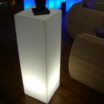 colonne-led-podium-vendue-sur-www.deco-lumineuse.fr
