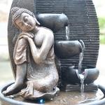 fontaine led penseur interieur bouddha grace vendue sur deco-lumineuse.fr