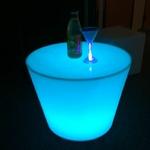 table basse lumineuse led sans fil rvb yoan vendu sur www.deco-lumineuse.fr