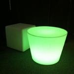 table basse lumineuse rvb sans fil yoan vendu sur www.deco-lumineuse.fr