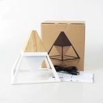 lampe-led-sans-fil-design de bureay pyramide-blanche