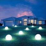 boule led lumineuse sans fil solaire rvb extérieur bubbly 60 vendue sur deco-lumineuse.fr